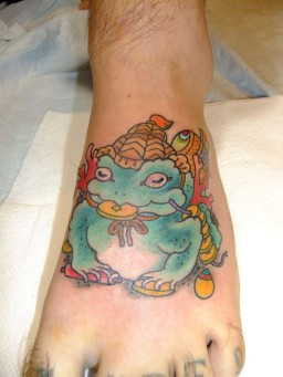 "青蛙神 せいあじん Three legged toad""Sei a jin"" Lucky toad/ Lucky frog."