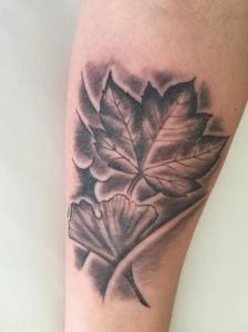 楓 銀杏 手彫り Western maple leaf and Ginko leaf by hand Tebori